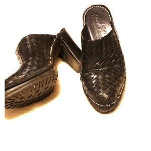 Donald J. Pliner Black clogs